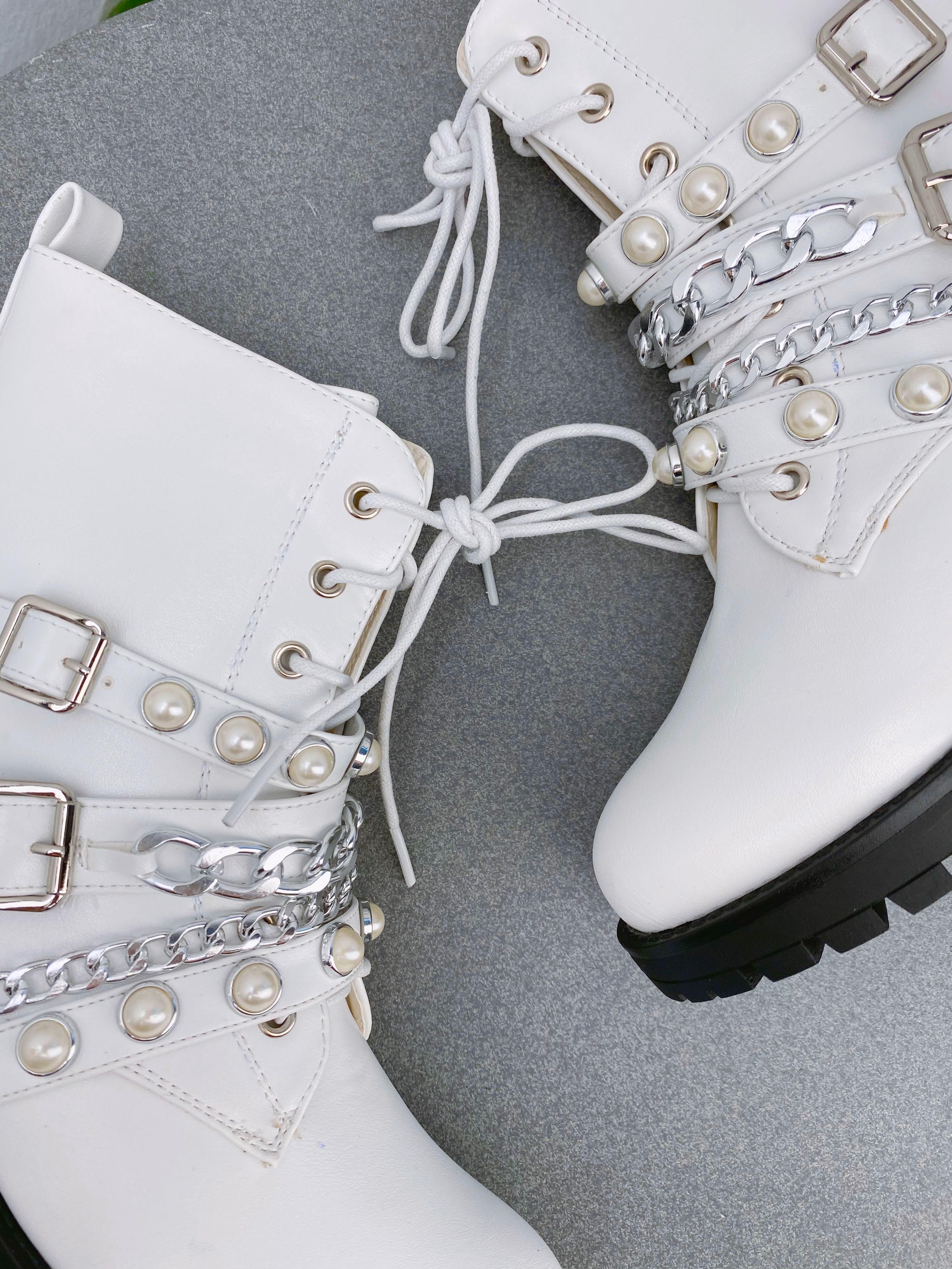 Gležnarji B26-11 White